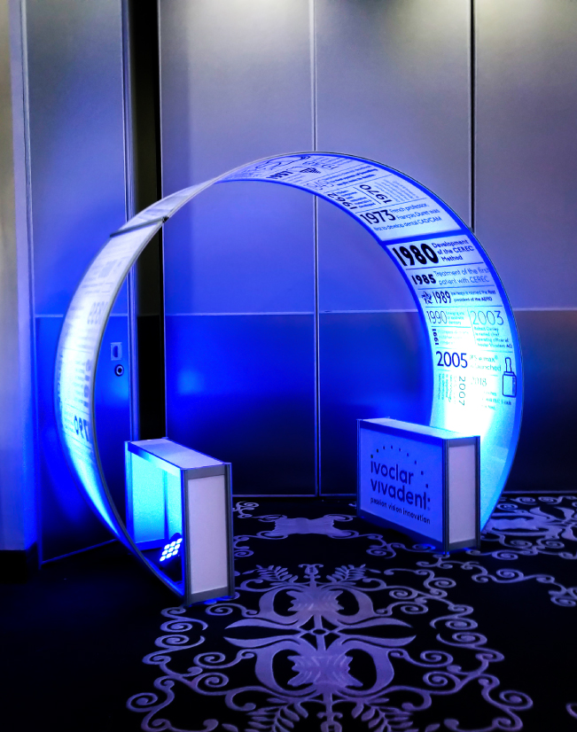 an image of the Ivoclar Vivadent round archway, with frosted plexi and seamless sintra